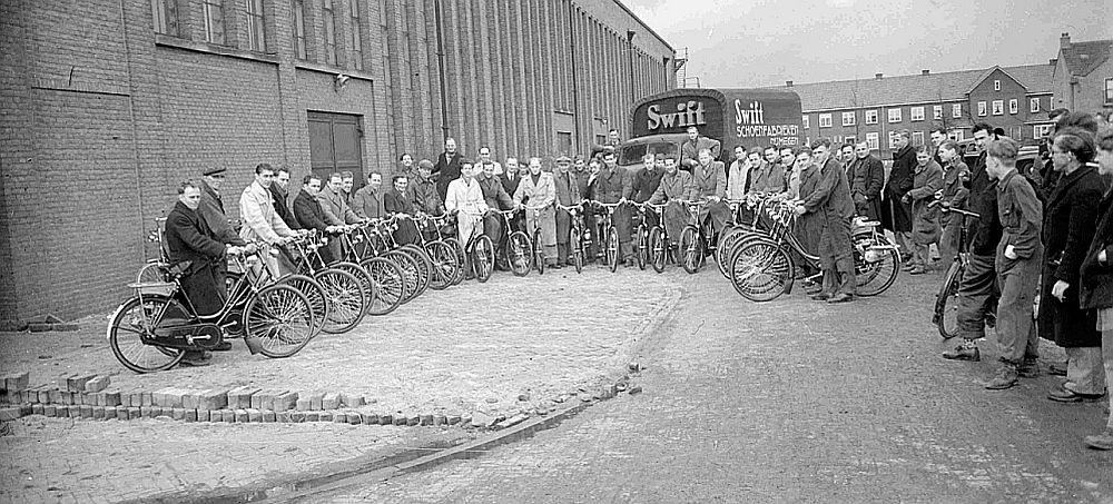 Medewerkers van de Swiftfabriek (1951)